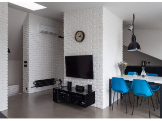 Белый декоративный кирпич в интерьере