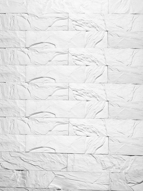 Гипсовая плитка под кирпич Уральский скол белый